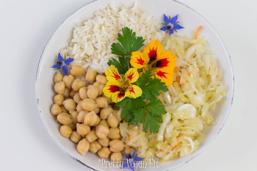 Foods for healthy skin - fermented cabbage and garbanzo beans